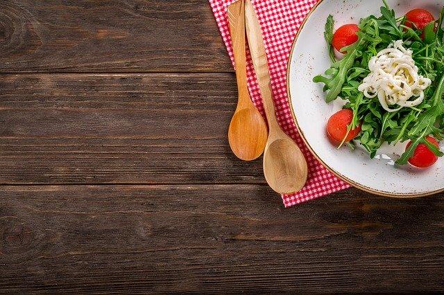 jedzenie na talerzu